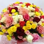 Цветочные подарки с доставкой на дом: минуты радости в обычный день