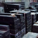 Гранитные памятники на могилу с установкой от компании «Данила-Мастер»