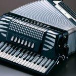 Аккордеон родственник баяна с клавиатурой фортепиано.