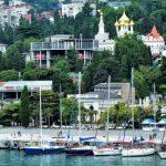 Крым или Краснодарский край: что выбирают туристы?